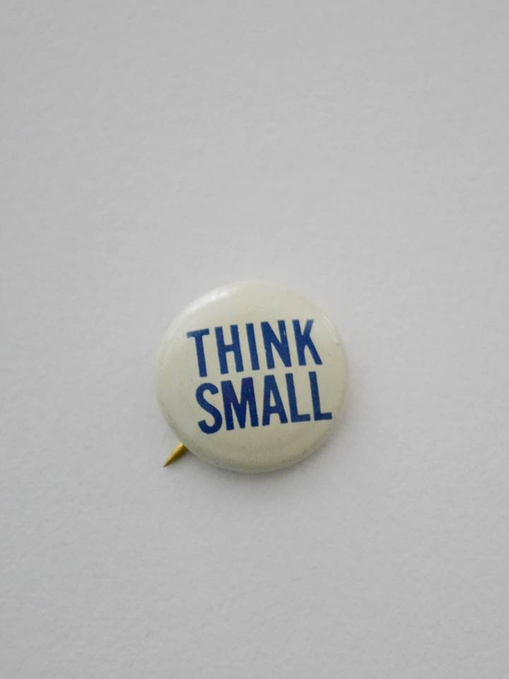 CHAPA ORIGINAL THINK SMALL 1966